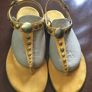 Aerosoles Suede Sandals Size 6.5